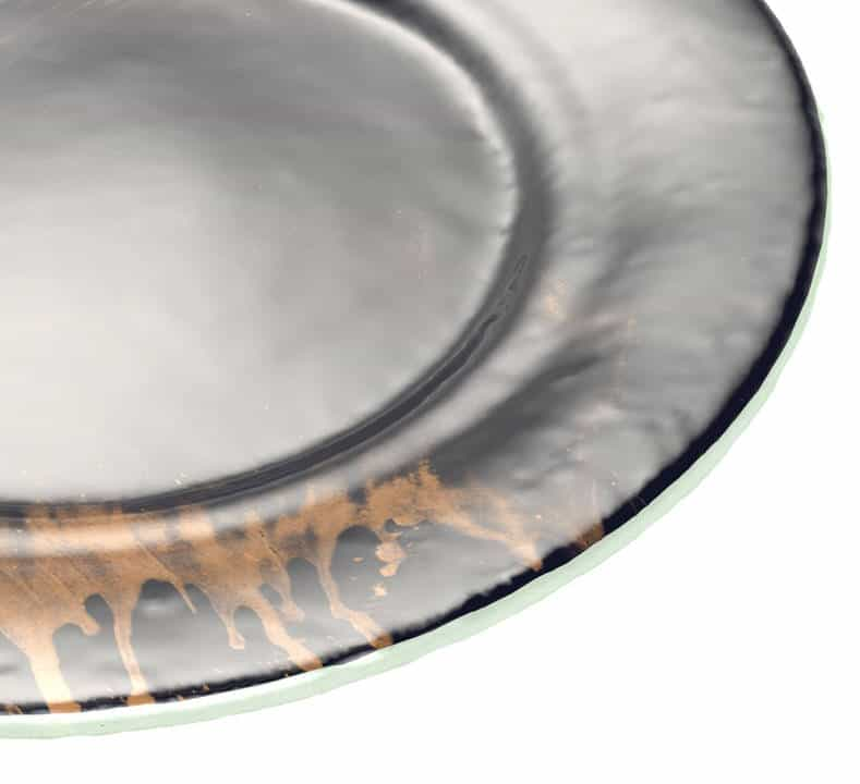 Close up angled shot of the Anna Vasily Vossi dinner plate