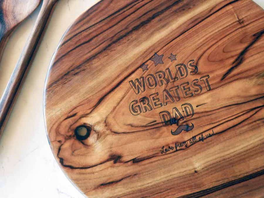 Fathers Day round edge wooden chopping board _closeup shot