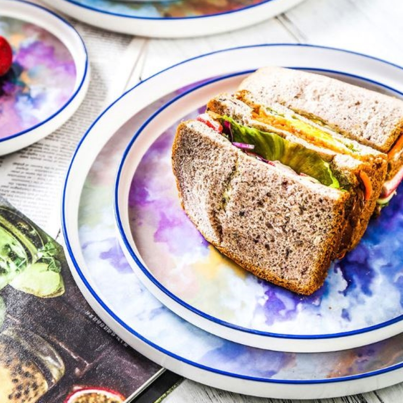 4-piece-dinner-plate-set-reve-ciel with slices of cake